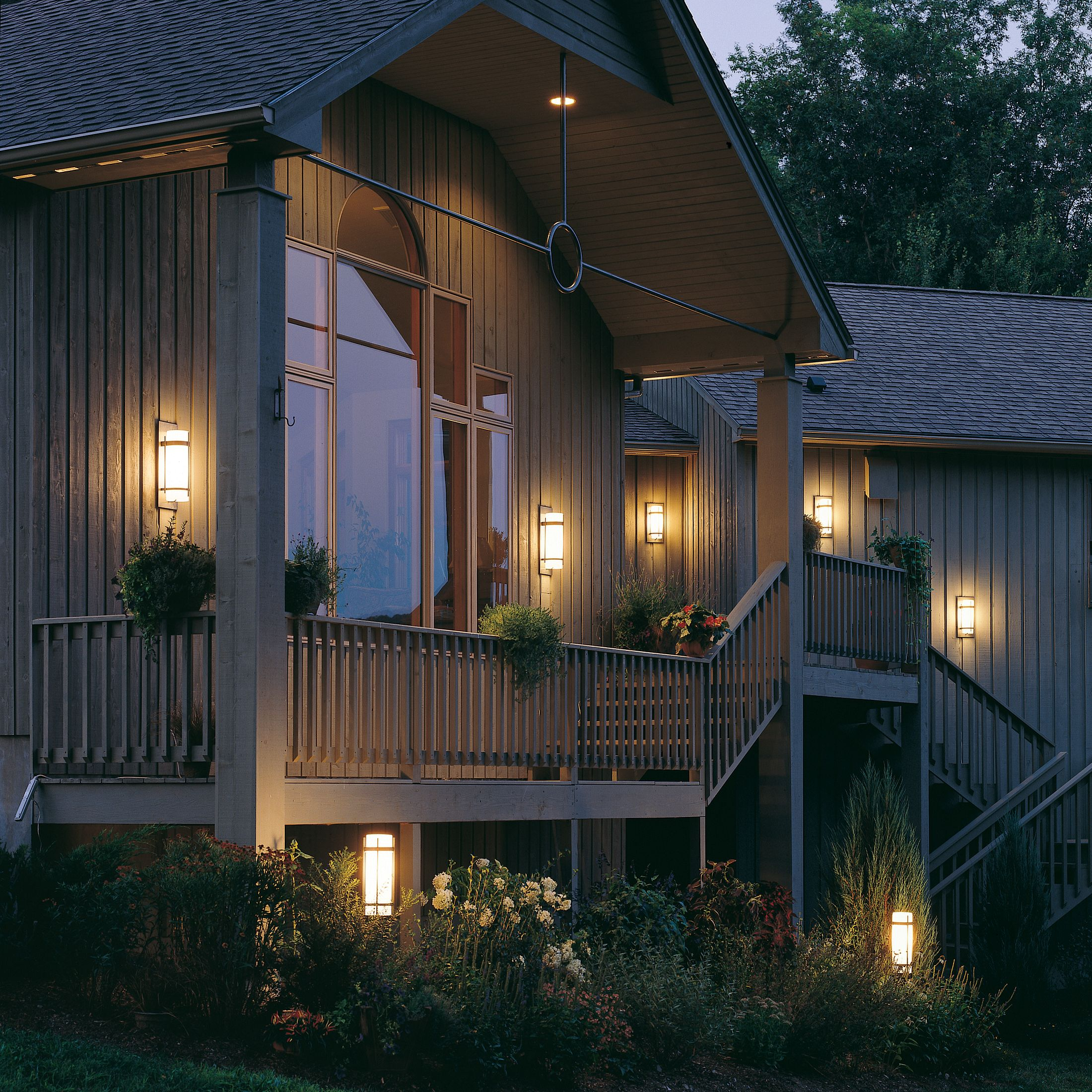 Banded Outdoor Post Light Hubbardton Forge